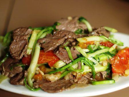 Kết quả hình ảnh cho thịt bò xào tỏi