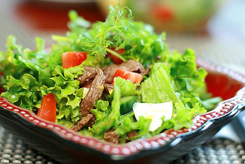 cach lam salad tron bo dau giam 1
